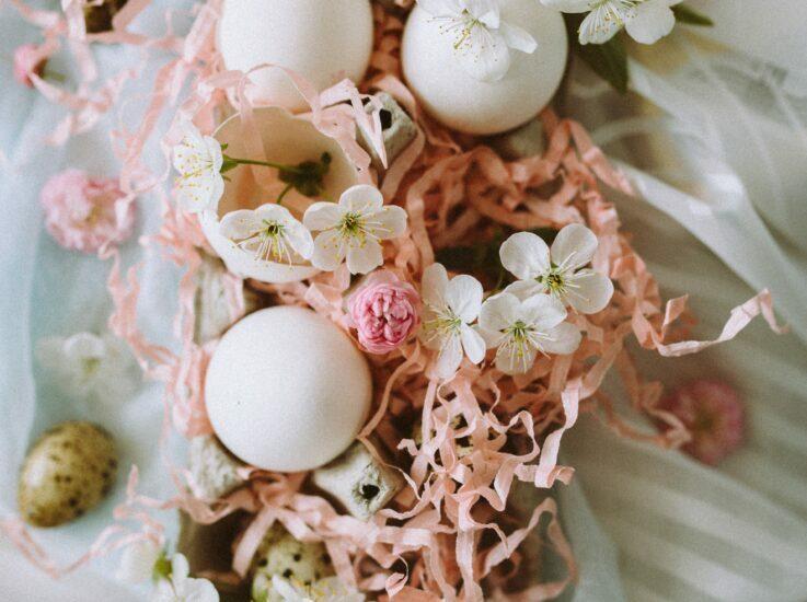 Sūtam saulainus un košus sveicienus Lieldienās!